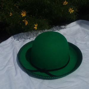VINTAGE green STREET SMART BY BETMAR hat